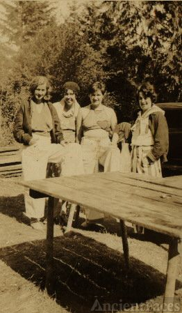 Erma O'Toole & friends 1932
