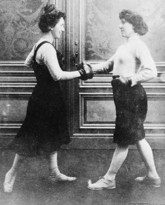 Fraulein Kussin and Mrs. Edwards boxing