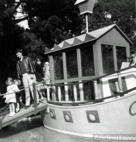 Frank, Kathy & Pam Kroetch in Fairyland, Oakland, CA