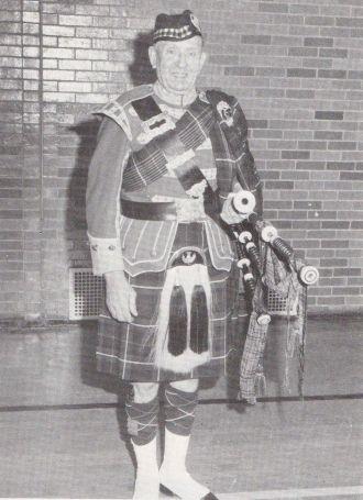 Lomand Nimmo in Full Scotland Attire