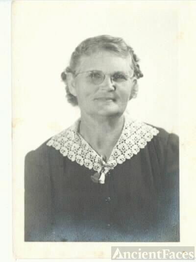 Ludie Kirkland