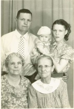 Linzzie Eagleson Family