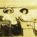Ida Belle (Soule) & Lorraine Martin
