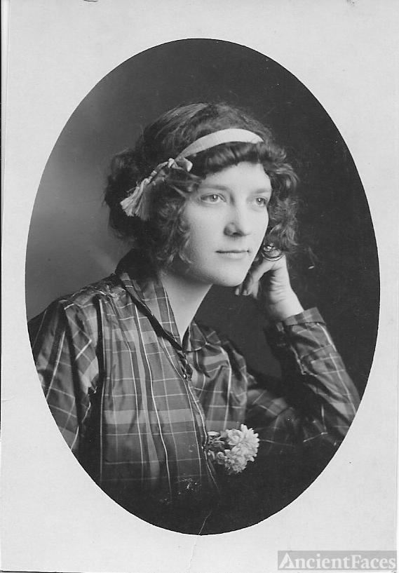 Olga V. Hileman née Fegley