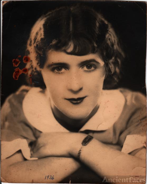 Carmen May Darlow
