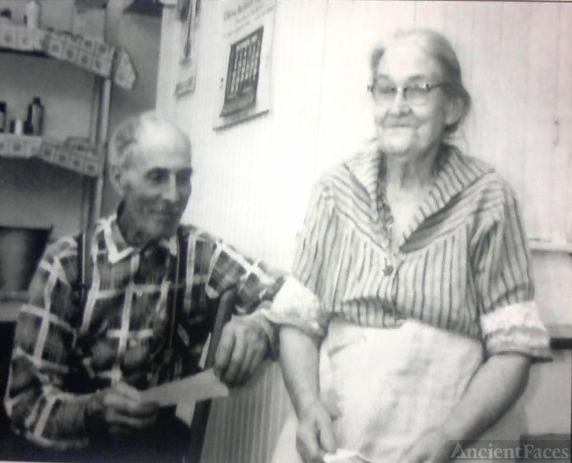 Zella & Simeon Mallow