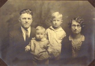 Maynard Sparks family 1927