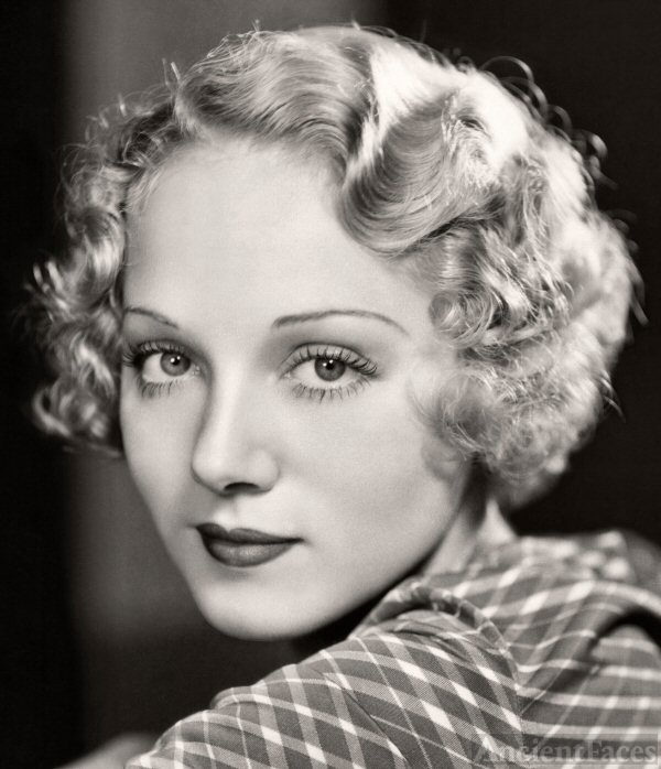 Leila Hyams 001