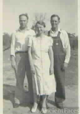 Kenneth, Vivian and Gene Eberhart