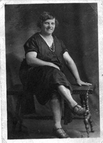 Essie D Edgell