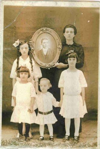 """Charles """"Charlie"""" J. Ferrell Family"""