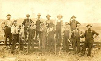 Erie RR crew, IN 1913