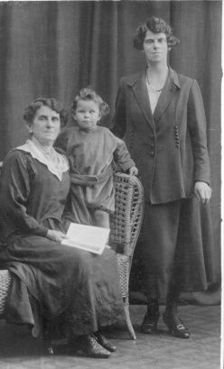 Charles Davis and family, Australia