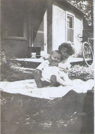 Ralph and Howard Niles
