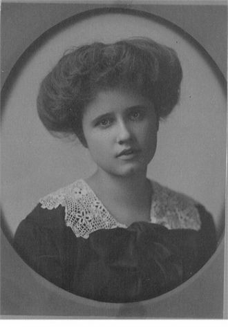 A photo of Janet Wendell (Gibbons) MacArthur