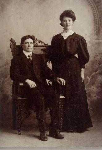 Oscar and Anna (Anderson) Morrell
