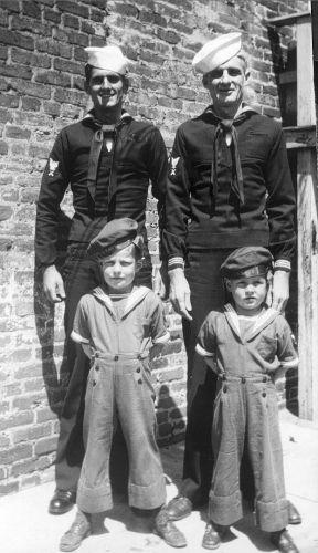 John Frampton & family, 1942