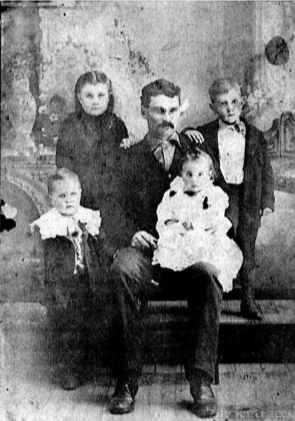 Edward M. Hightower & babies after  death ofJennie