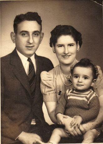 Thomas Scalese Family, 1942