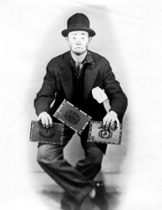 Kiko Juggling Cigar Boxes
