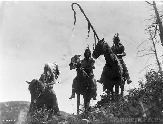 Crow or Apsaroke War Group