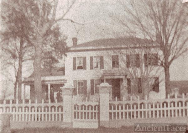 Amos Woodward farmhouse, Joy Prairie, Illinois