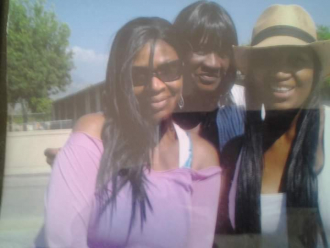 My Mother Beaulah (middle) My auntie Angel (pink shirt)  auntie Jamaica ( hat 🤠) i love them all. Sending love and prayers to My dearest Auntie Angel 🙏😭🕊️