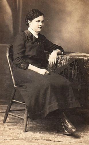 Fanny Meta (Janssen) Roos, 1916