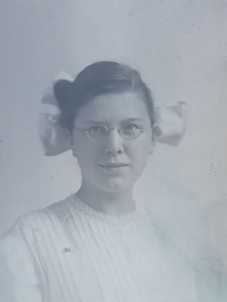 Unknown Woman - glasses