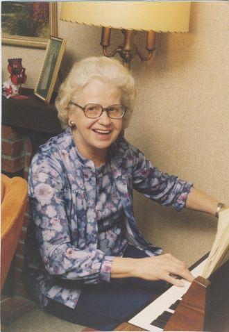 Vera Macere