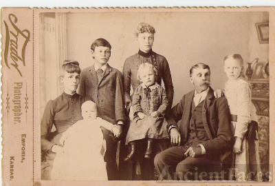 Jesse James Van Cleave and family