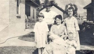 Sarah Jessie Fowers Daybell and children