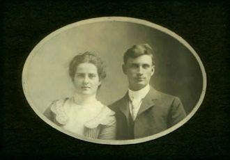 John Gus & Elizabeth (Mahon) Long, 1900