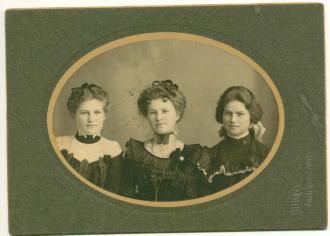 Gertrude, Almina, and Edith Malliat