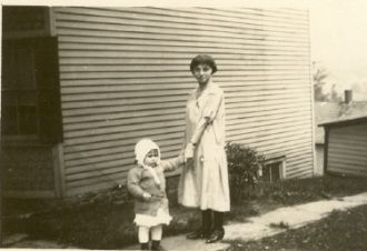 Ida Smith with daughter Lorraine