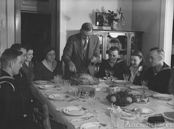 Fincham Family Thanksgiving, 1942