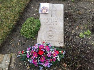 Harold Frank Douglas Lay Gravesite