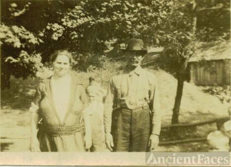Myrtle & Frank Benner, 1922