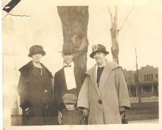 Bronston Family, 1925