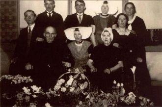 Kornelis and Maatje Daane with family