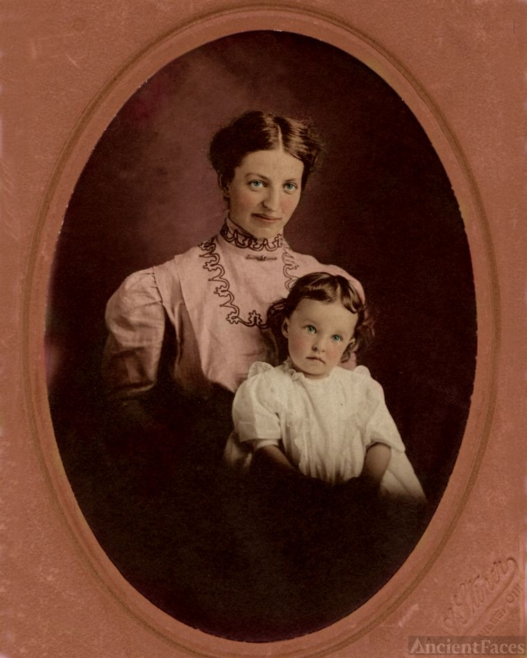 Effie nee Norris Baughman and daughter, Helen
