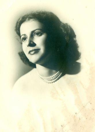Beatriz Rogelia Irueta Guerra, Cuba