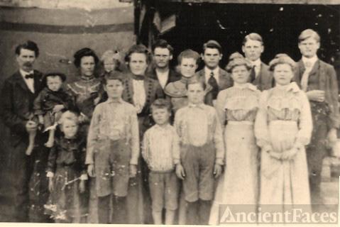 Lycurgus W. Ruple & Queenie Bass Family