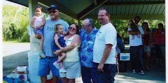 Lonnie Guilliam Kids and Grandkids 2006 reunion