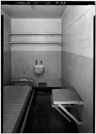 23. TYPICAL CELL IN CELL BLOCK 'C' - Alcatraz, Cell...