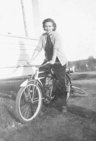 Helen Motowski Zettler