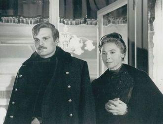 Siobhan McKenna with Omar Sharif.
