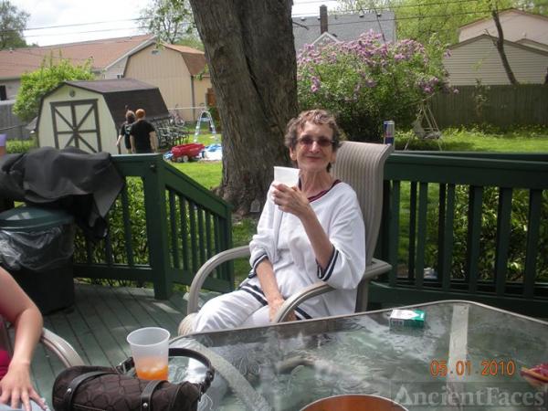 Gloria Jean Gilling