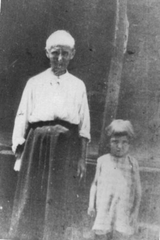 Tennessee Belt with Gr. Daughter Vida