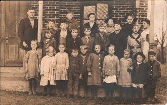 Naomi & Elnora Ryan, Ansonia School 1910 or 1911